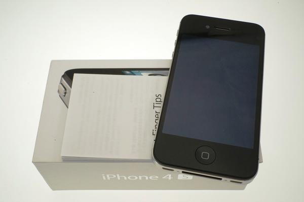 iPhone 4S 16GB au [�u���b�N]