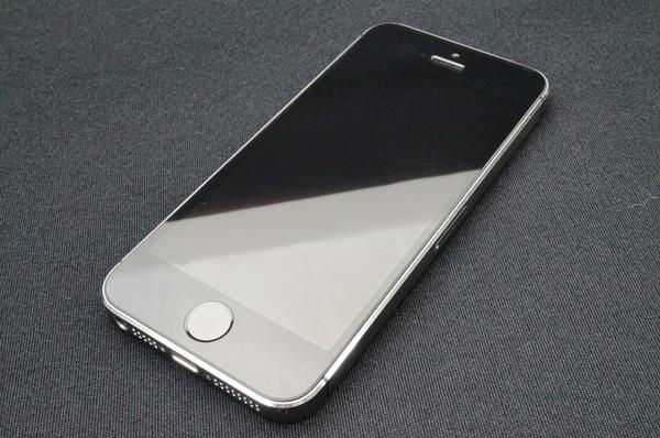 iPhone 5s 16GB docomo [スペースグレイ]