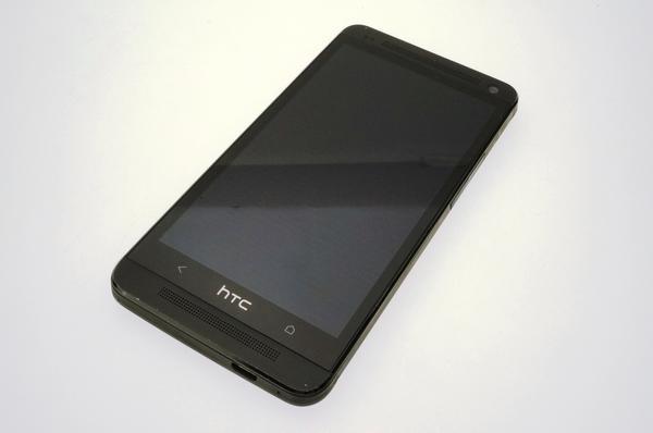 HTC J One HTL22 au [ブラックメタル]