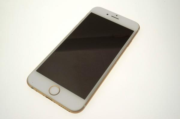 iPhone 6 64GB docomo [�S�[���h]