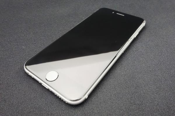 iPhone 6 64GB au [�X�y�[�X�O���C]