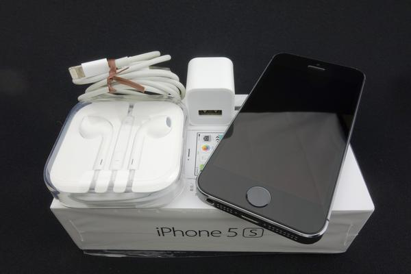 iPhone 5s 32GB SoftBank [�X�y�[�X�O���C]