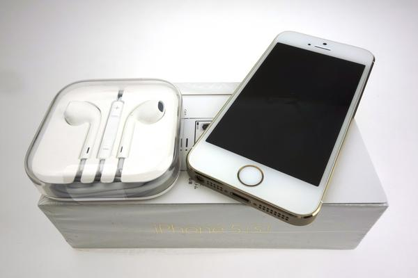 iPhone 5s 32GB SoftBank [�S�[���h]