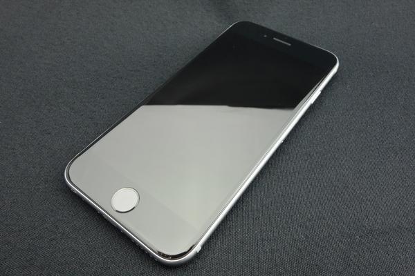 iPhone 6 128GB au [�X�y�[�X�O���C]
