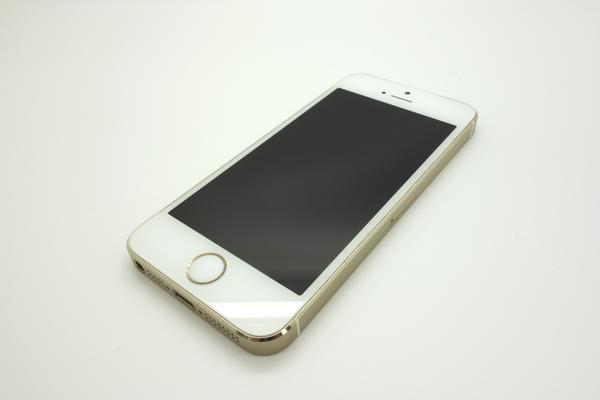 iPhone 5s 16GB docomo [�S�[���h]