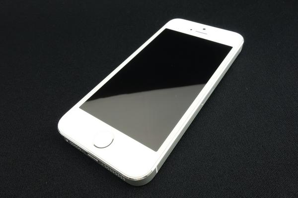 iPhone 5s 16GB au [�V���o�[]