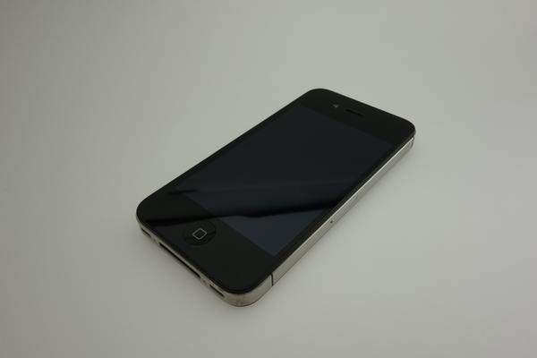 iPhone 4S 64GB au [�u���b�N]