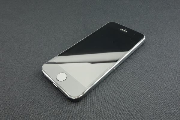 iPhone 5s 16GB SoftBank [スペースグレイ]