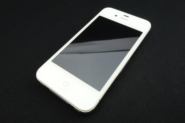 iPhone 4S 32GB au [�z���C�g]
