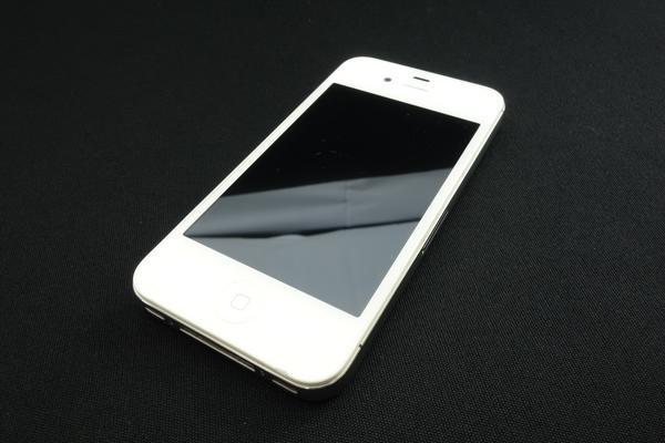 iPhone 4S 16GB au [�z���C�g]