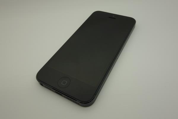 iPhone 5 16GB au [�u���b�N&�X���[�g]