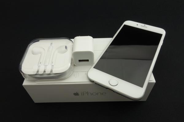 iPhone 6 64GB au [�V���o�[]