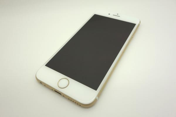 iPhone 6 64GB au [�S�[���h]