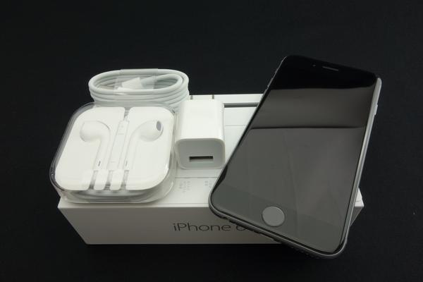 iPhone 6 16GB au [�X�y�[�X�O���C]