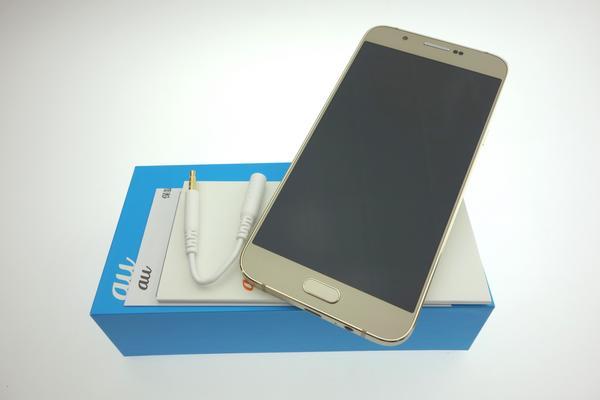Galaxy A8 SCV32 au [ゴールド]