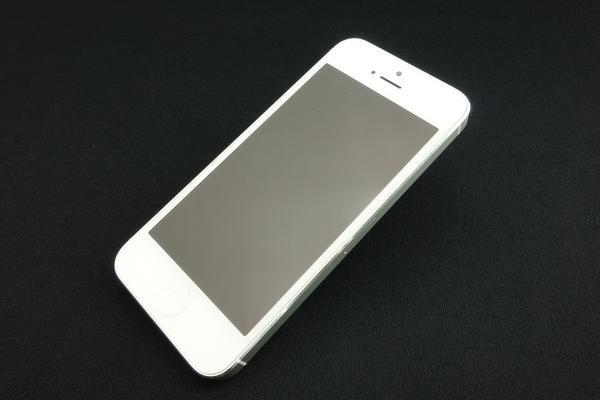 iPhone 5 32GB au [ホワイト&シルバー]