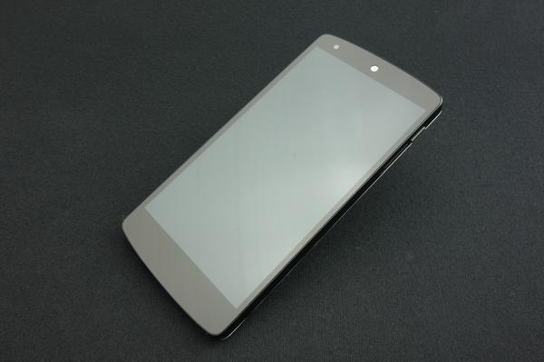 Nexus 5 LG-D821 16GB SIM�t���[ [�z���C�g]