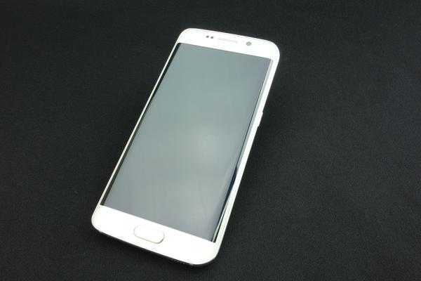 Galaxy S6 edge SCV31 32GB au [ホワイト パール]