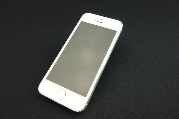 iPhone 5s 32GB docomo [シルバー]