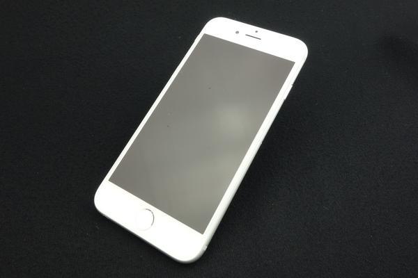 iPhone 6 64GB au [シルバー]