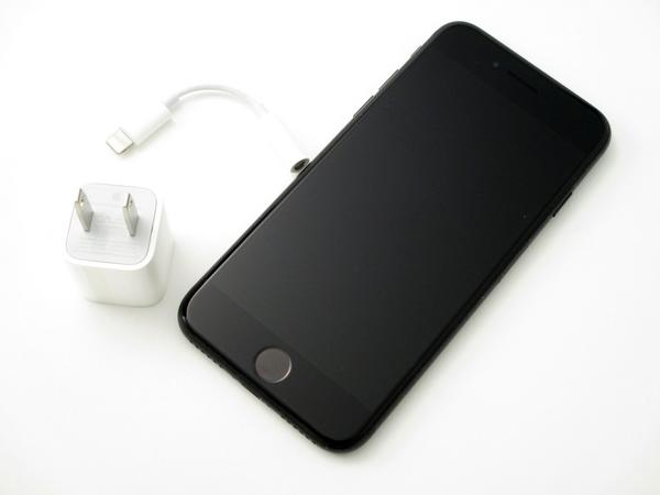iPhone 7 32GB au [ブラック]